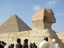 """Статуи фараонов """"спасаются бегством"""""""